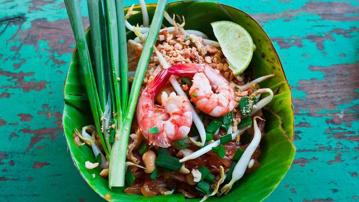 Jedzenie tajskie z krewetkami